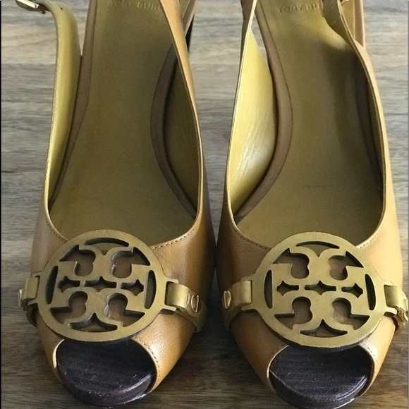 727741456ab5 Tory Burch Peek a Boo ankle strap sandal. M 5b7f0a1e1e2d2d87643d8af9